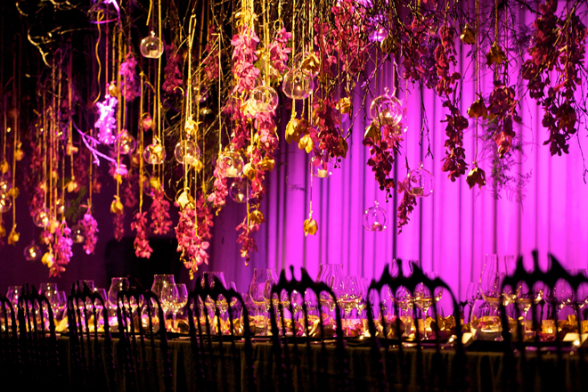 suspended-flowers-hanging-centerpieces-wedding-floral-chandelier-31i