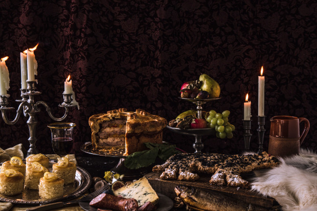 game-of-thrones-feast-full-spread-620x413